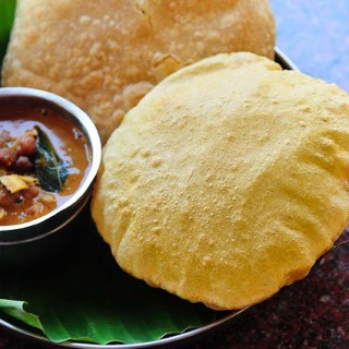 Corn Poori Recipe – Puri with Corn Flour – Easy Indian Breakfast Recipes