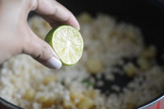 sabudana khichdi, sago khichdi recipe-10