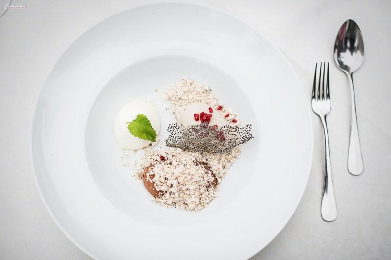 Dessert mit Chiasamen & Weingartenpfirsich