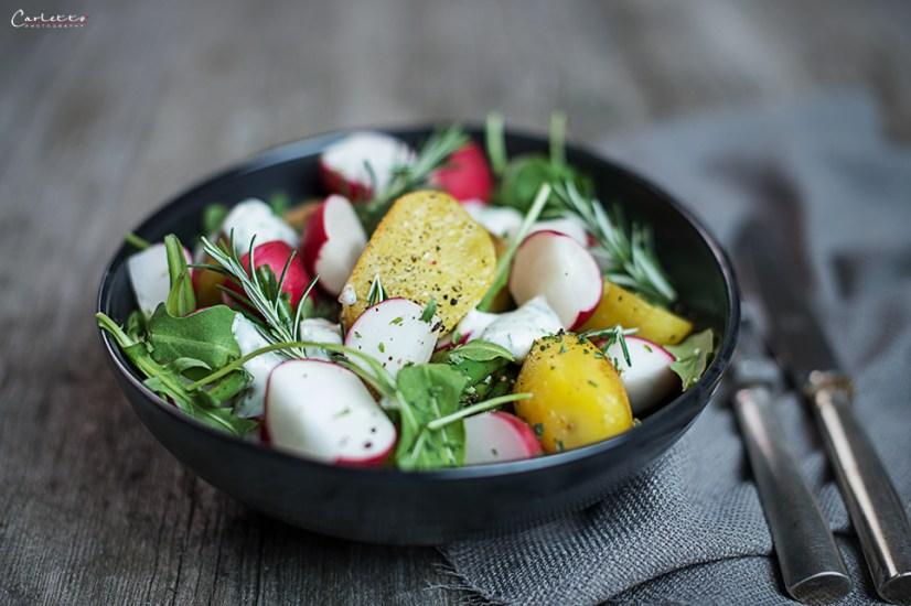 Kartoffelsalat mit Kräuter-Mayo-Dip