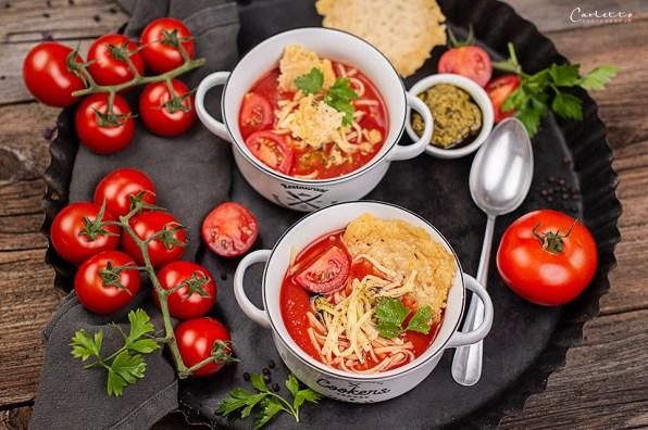 Tomatensuppe Parmesancracker_6500