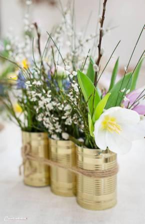 Frühlingshaft gedeckter Ostertisch