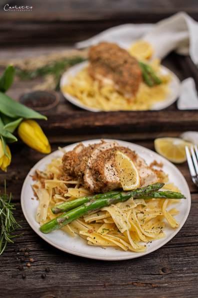 Hühnerfilets mit Parmesankruste