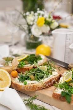 Brot mit Frühlings Topping