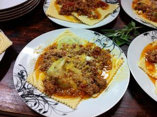 cooking-class-tuscany-ragu-sauce