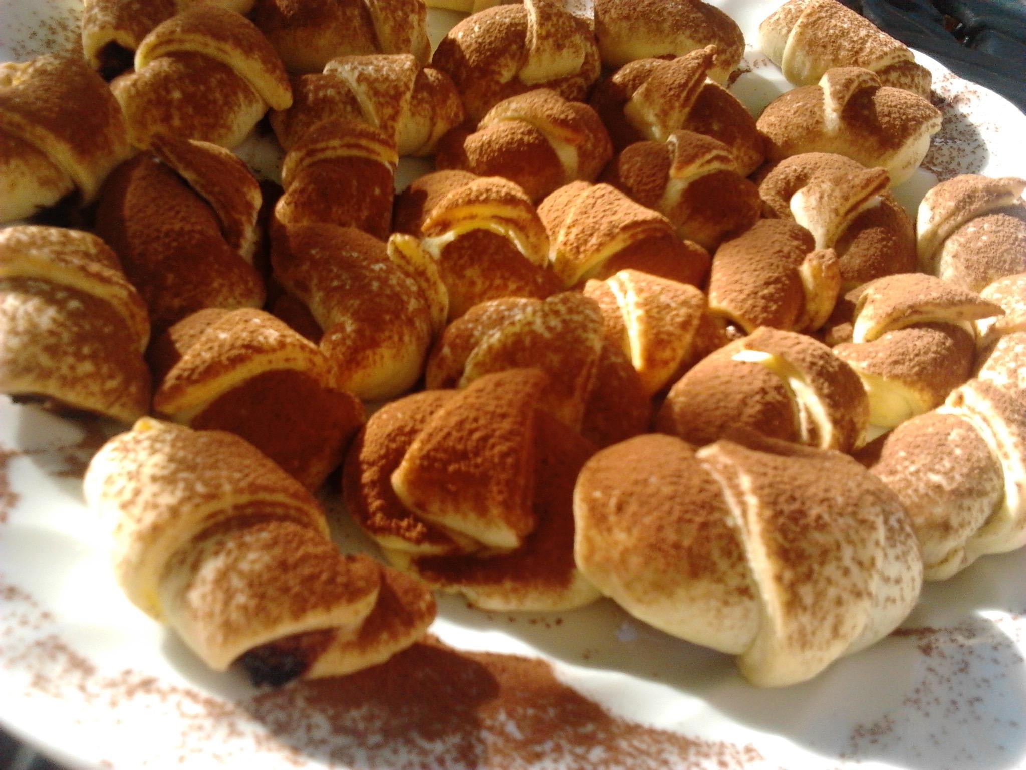 mini croissants nutella