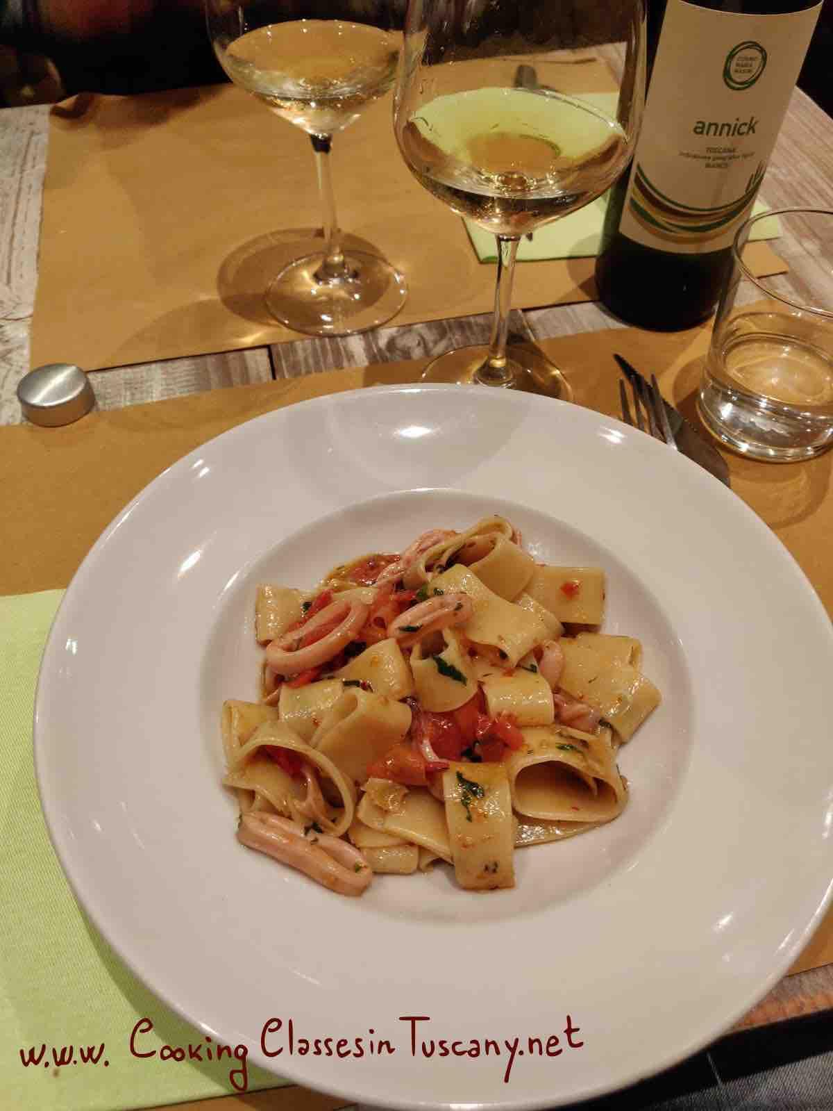gourmet holidays tuscany paccheri pasta