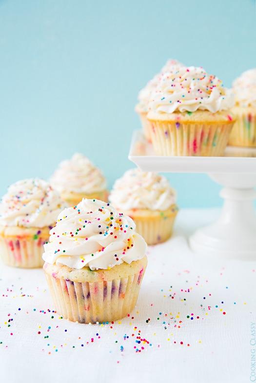 Funfetti Cupcakes With Vanilla Buttercream Frosting