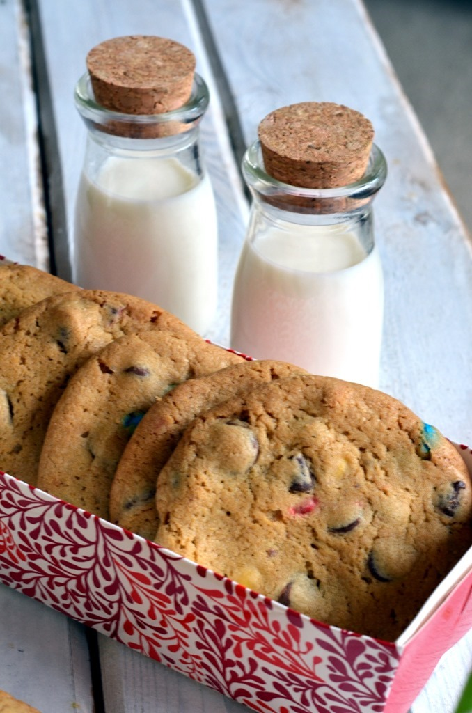 Chocolate Chip MnM Cookies - Christmas Cookies, Holiday Cookies - Cooking Curries (2)