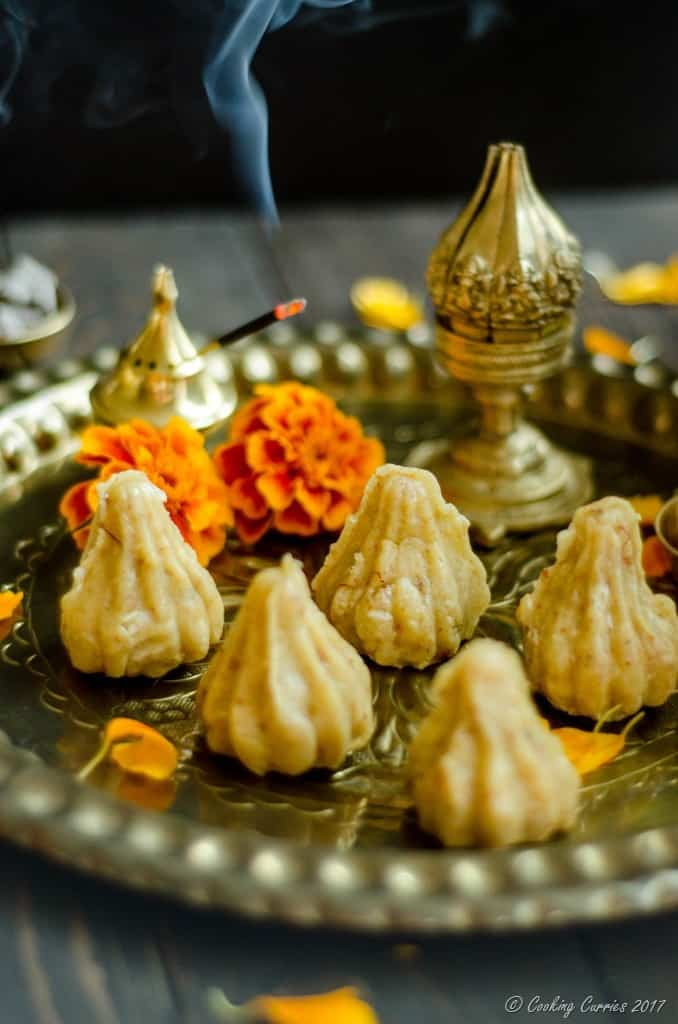 Coconut Khoya Modak with Chocolate Chip Filling (2 of 5)