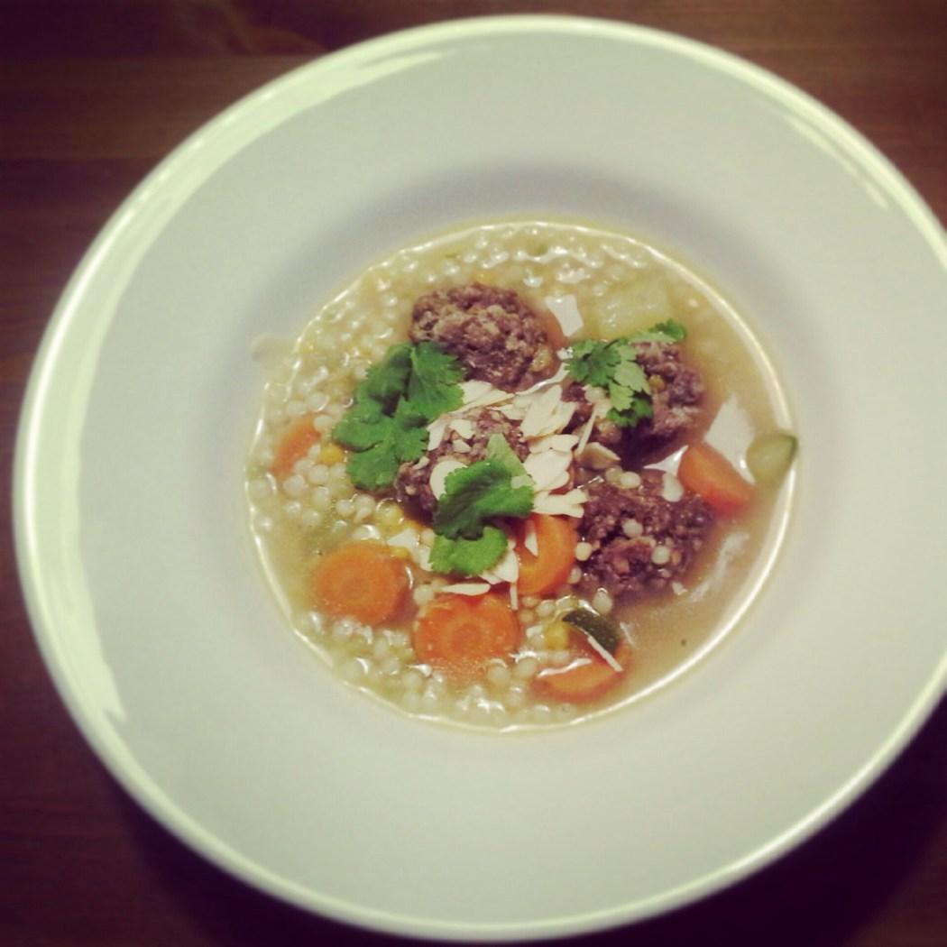 Kruidige soep met ballen