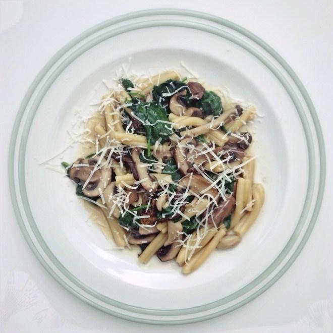 Paddenstoel en spinazie pasta2 By Cookingdom