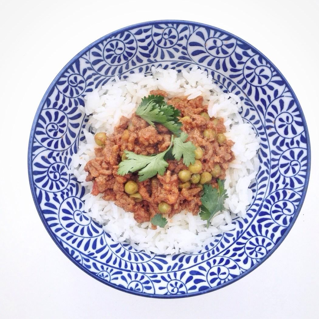 Gehakt en doperwten curry