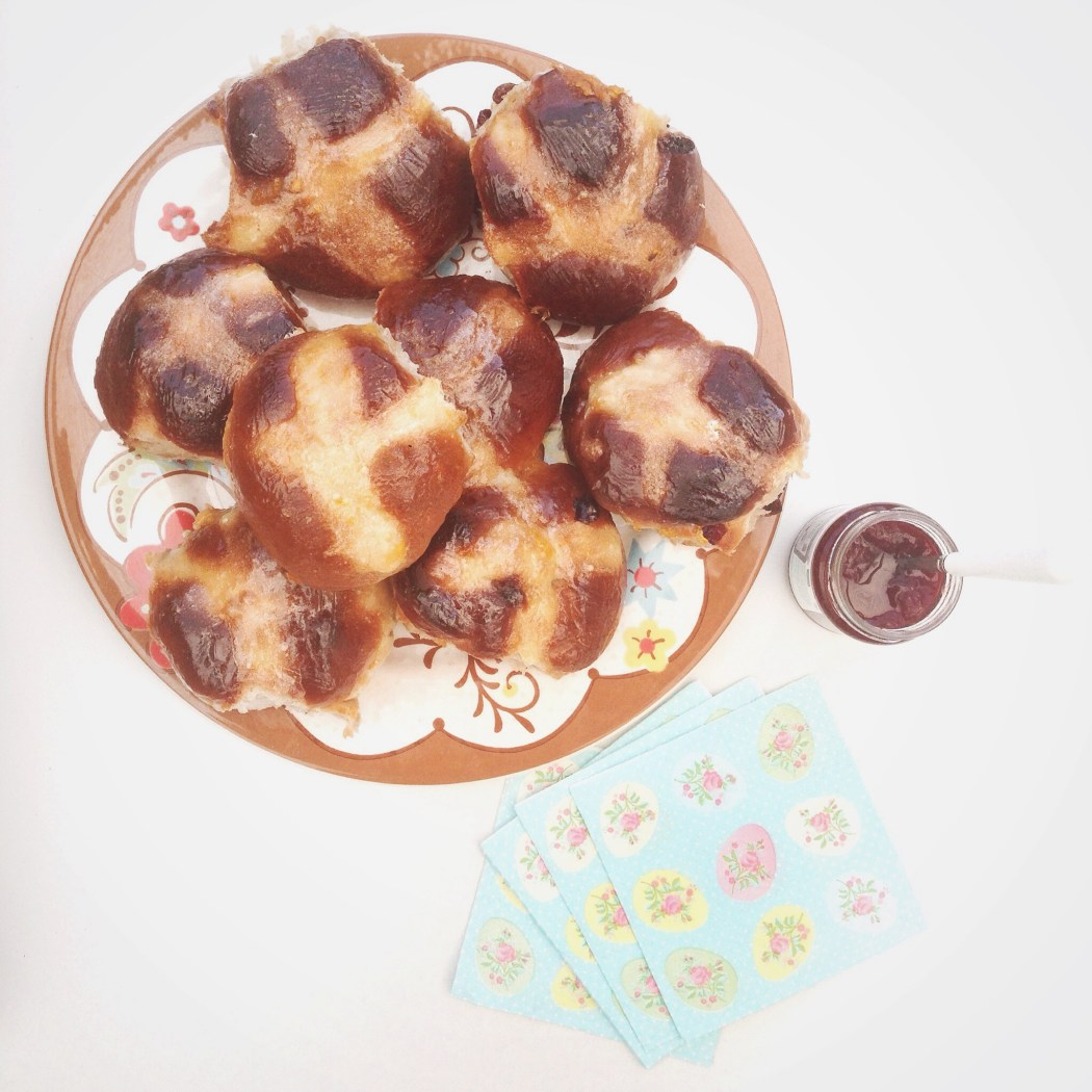 Hot cross buns met chocolade