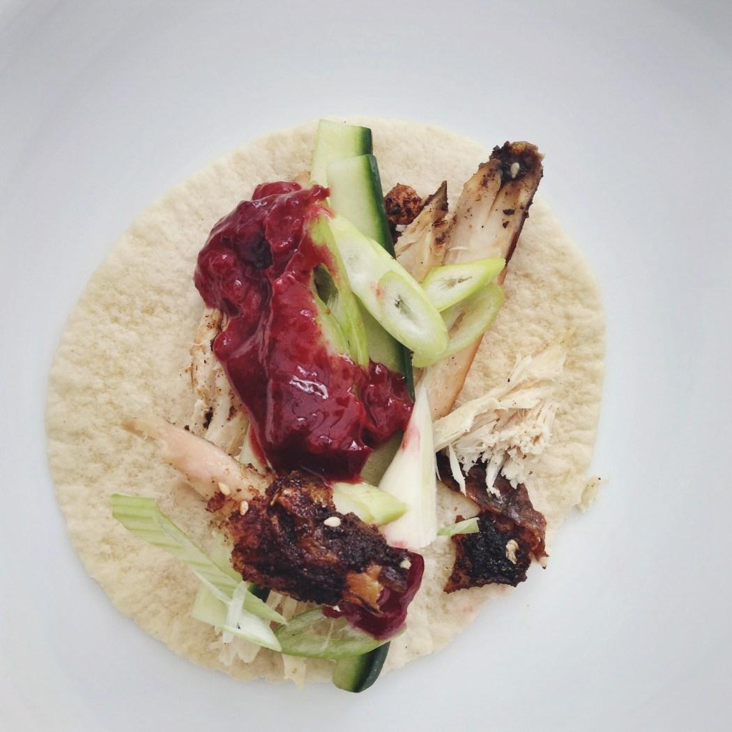 Sesam kip met een kruidige pruimensaus, by Cookingdom