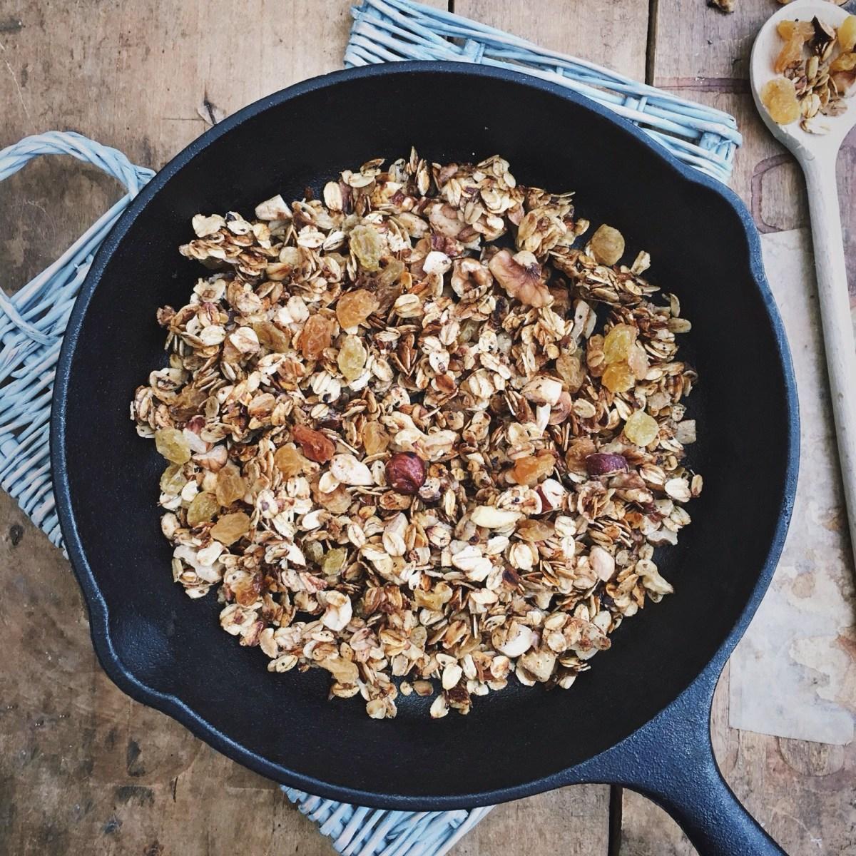 Snelle granola uit de pan met Chinese 5 spice