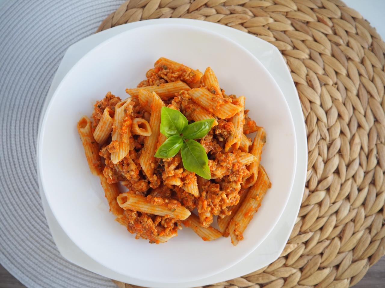 Easy Cheesy Chicken Bolognese