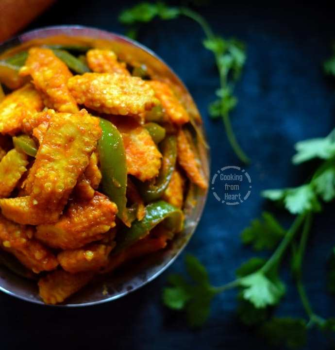 Baby Corn Jalfrezi | Easy Baby Corn Capsicum Curry