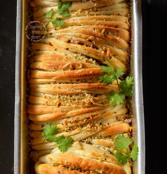 Cheesy Butterflake Herb Loaf | Cheesy Garlic Pull-Apart Bread