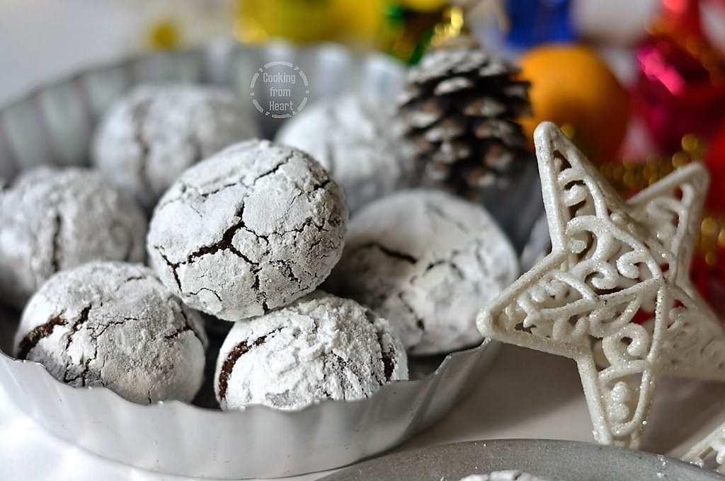 Eggless Chocolate Crinkle Cookies   Vegan Chocolate Crinkle Cookies