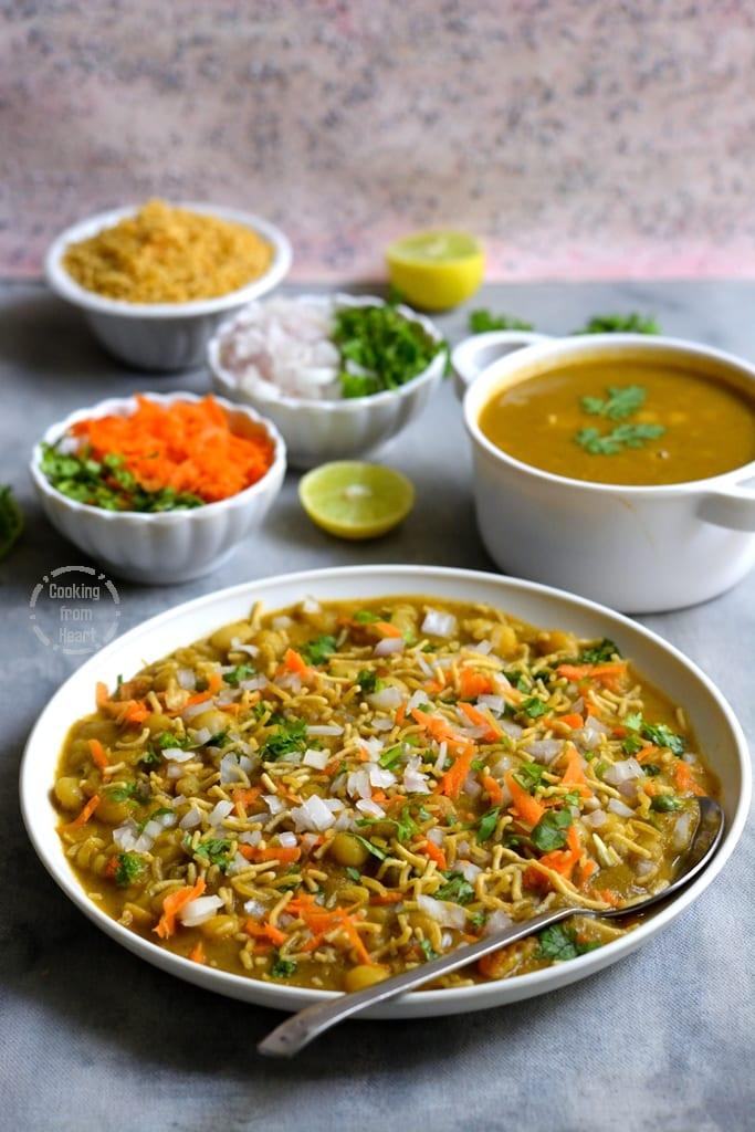 Homemade Masala Puri recipe