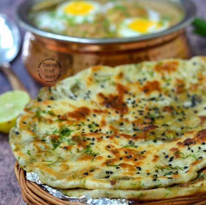 Stuffed Aloo Kulcha | Easy Aloo Kulcha Recipe