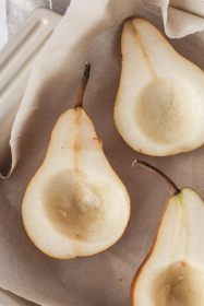 Baked Pears with Cardamom Cream | cookinginmygenes.com