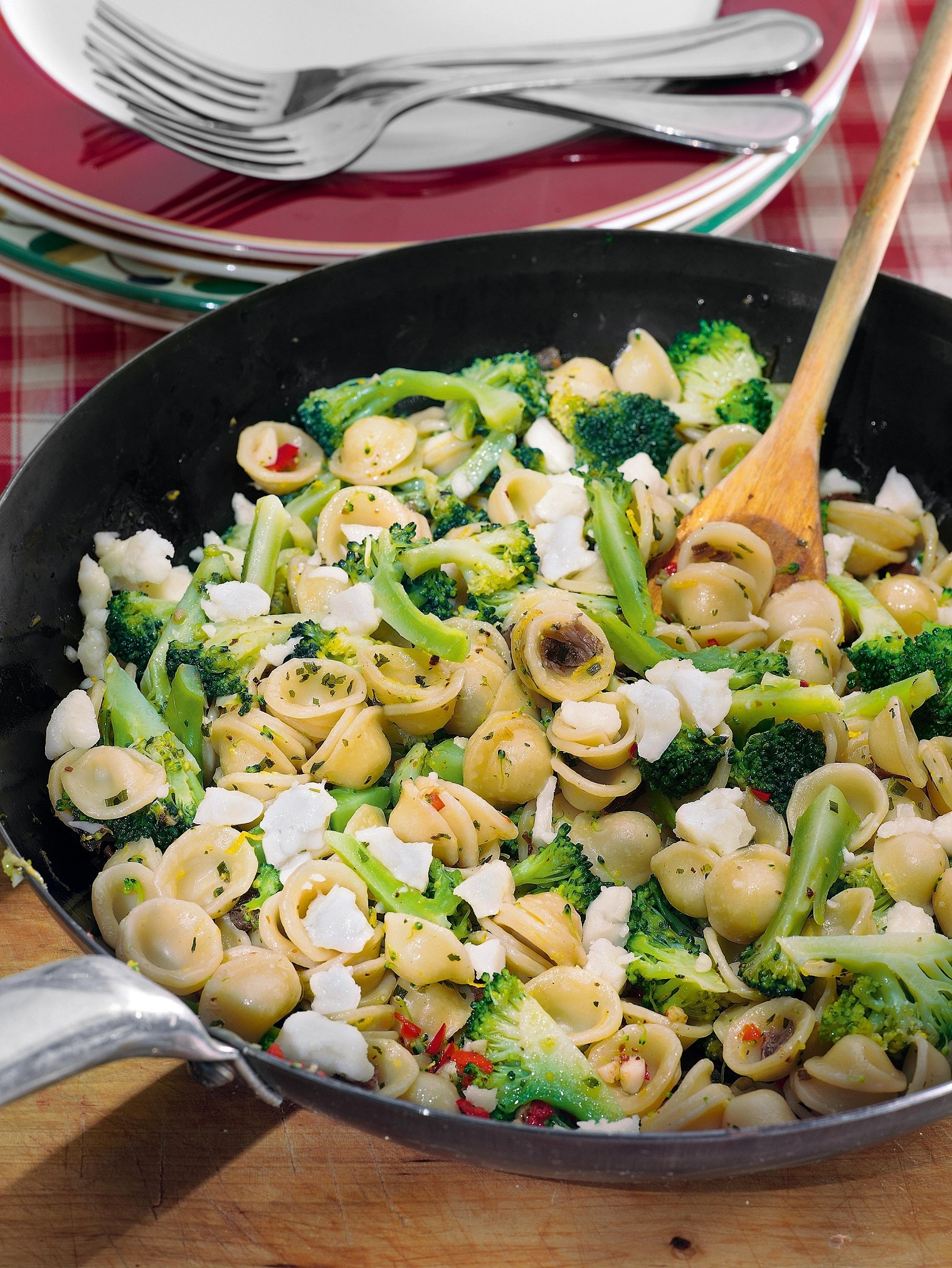 Orekkiette with broccoli and goat cheese