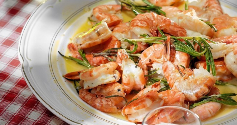 Shrimps in rosemary