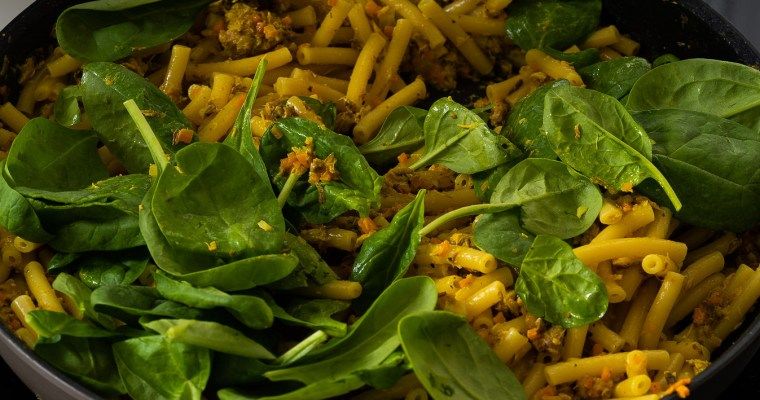 Canned Mackerel and Spinach Curry Pasta