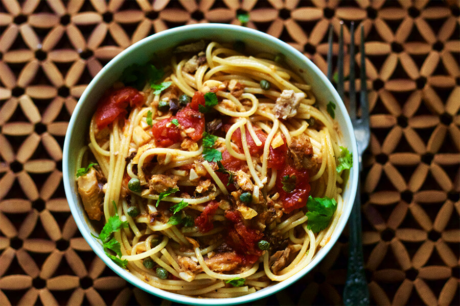 This pasta sauce is so easy to make with everyday pantry essential. The sauce is super easy to make, good for you and packed with fresh flavors.