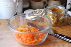 carrot raisin salad (1)