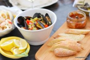 mussles, calimari, shrimp wine sauce  (16)