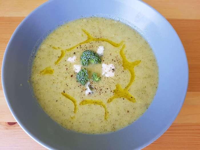 Crema de brócoli y queso roquefort