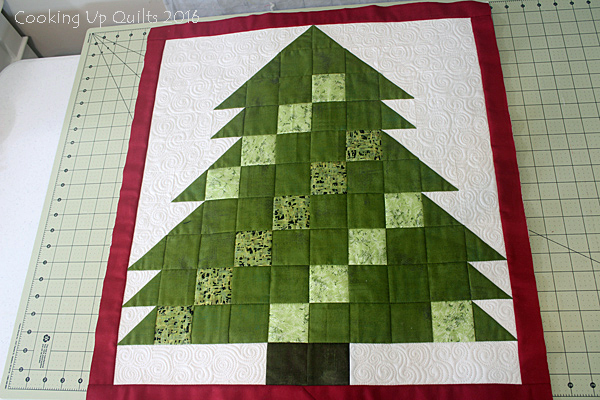 Christmas Tree Mini Quilt
