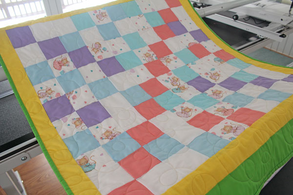 Baby Quilt Loopy Flowers FMQ