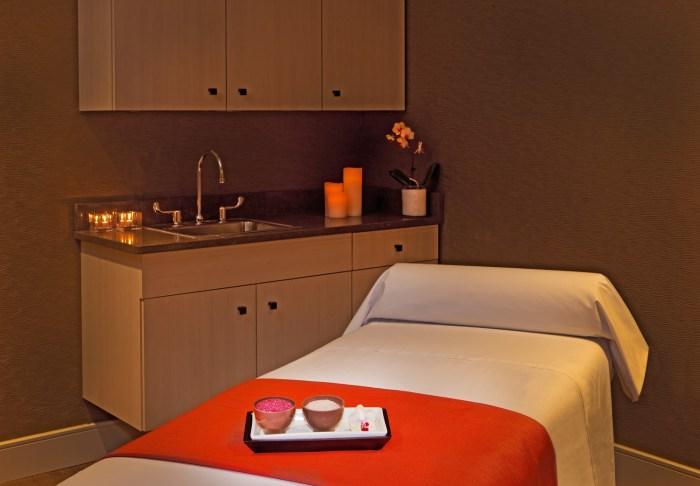 she430sp-154175-Green Tangerine Spa - Treatment Room