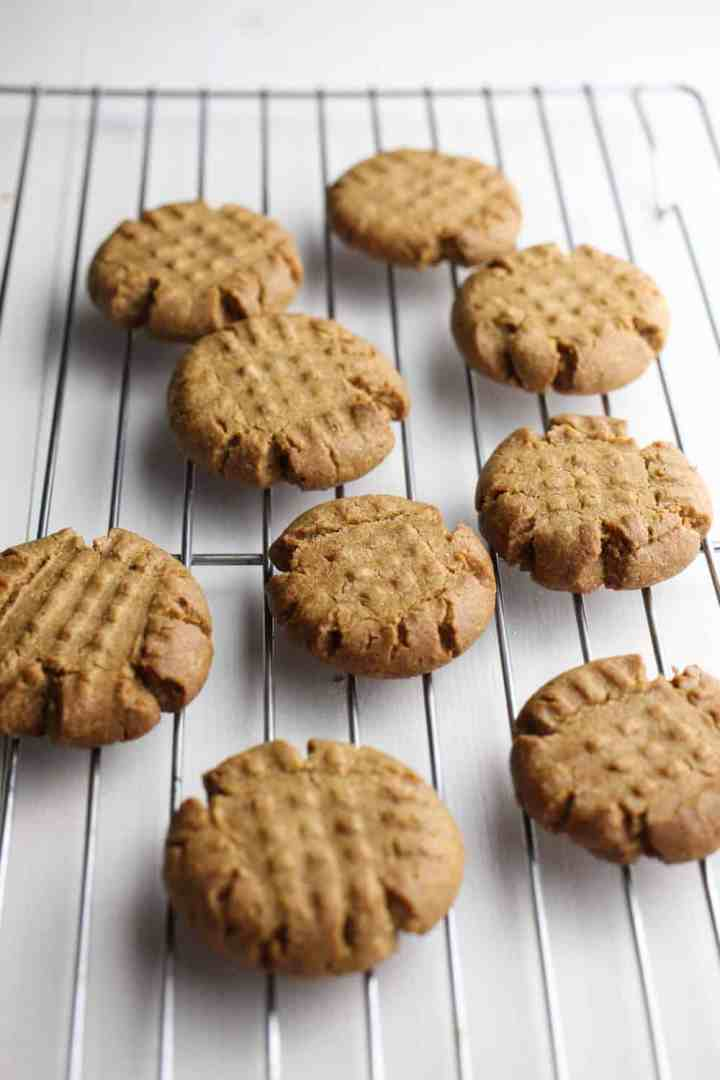 Picture of peanut butter cookies cooling on a rack