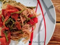 pasta asparagi selvatici e pomodorini