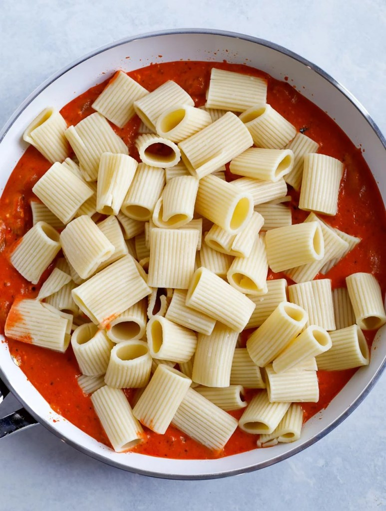 creamy red pepper pasta
