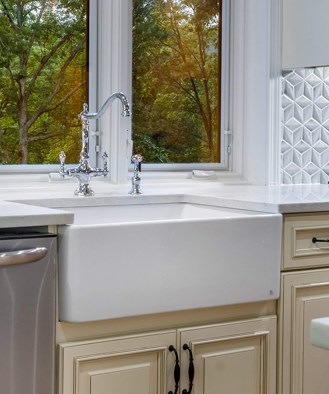 The Best Farmhouse Sinks Reviewed For 2019