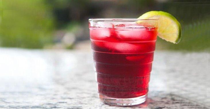 boisson-rafraîchissante-à-l'hibiscus