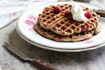 whole_wheat_soy_waffles2