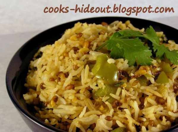 Sprouted Matki Pulao (Moth Beans Pilaf)
