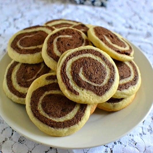 Pinwheel Cookies (Vanilla Chocolate Marbled or Pinwheel Cookies)