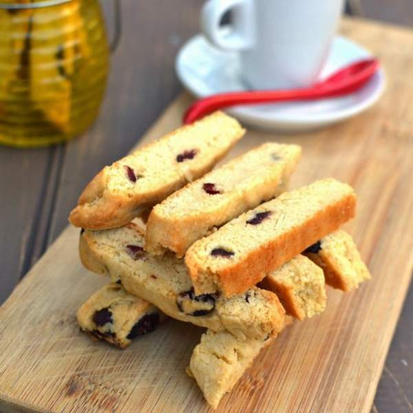 Almond-Cranberry Biscotti