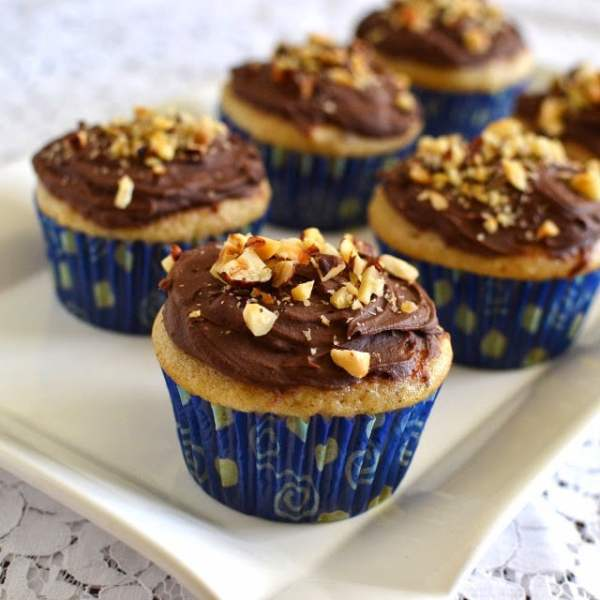 Hazelnut Cupcakes with Hazelnut-Chocolate Frosting