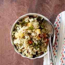 White bowl with Shakannam