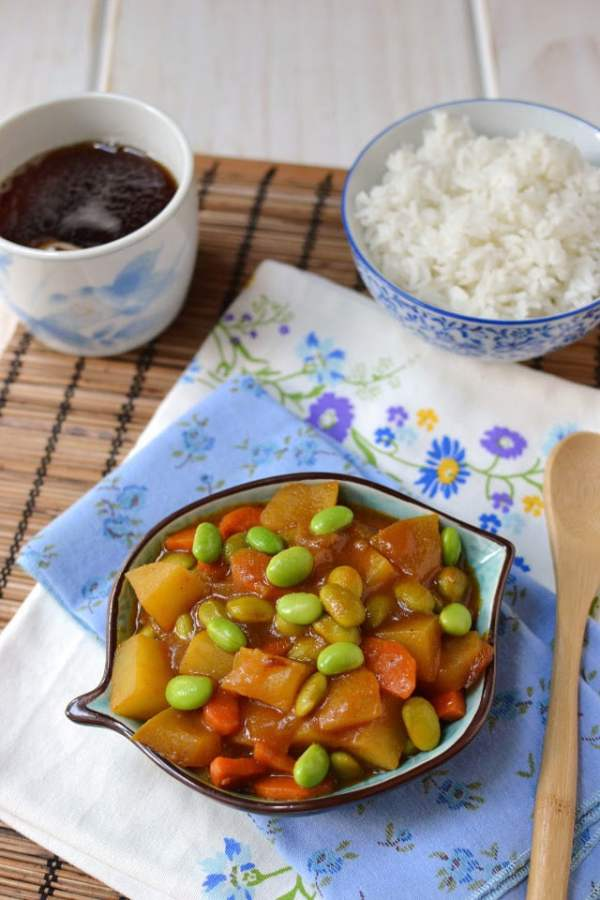 Vegetable Curry with Edamame