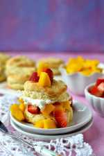 Shortcakes with Strawberry & Mango